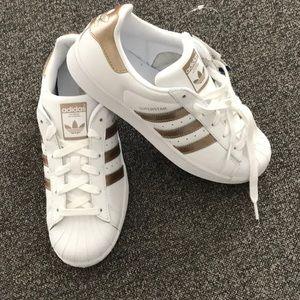 New Women's Adidas Superstar gold size  7